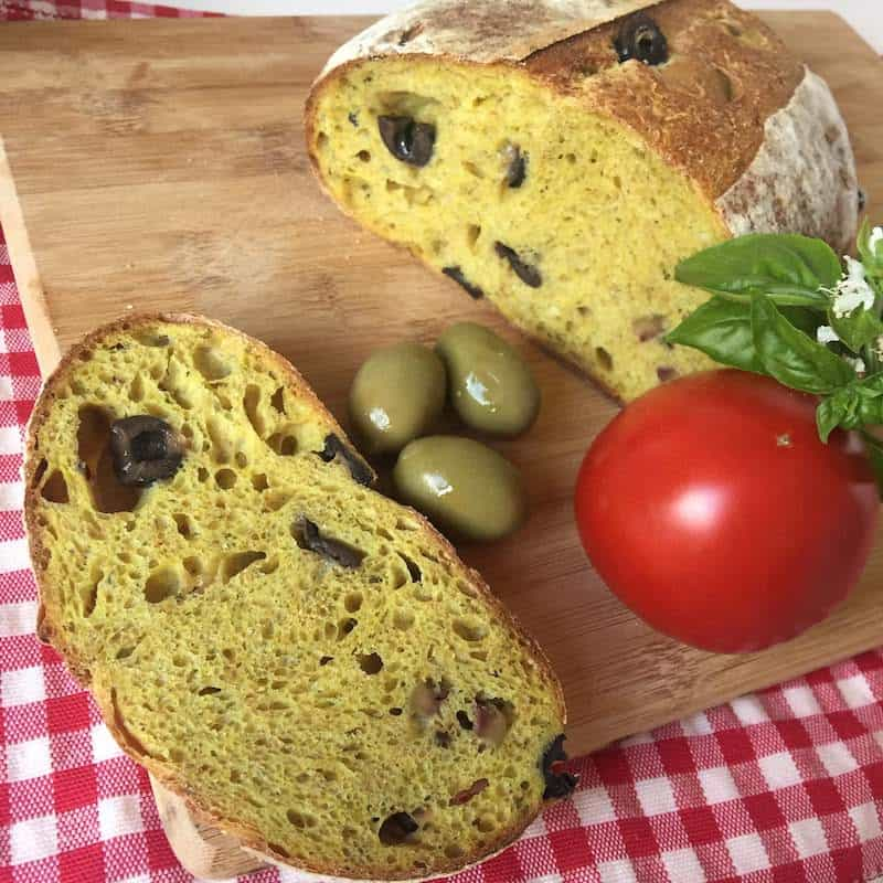 Curcuma Sourdough Bread with Olives